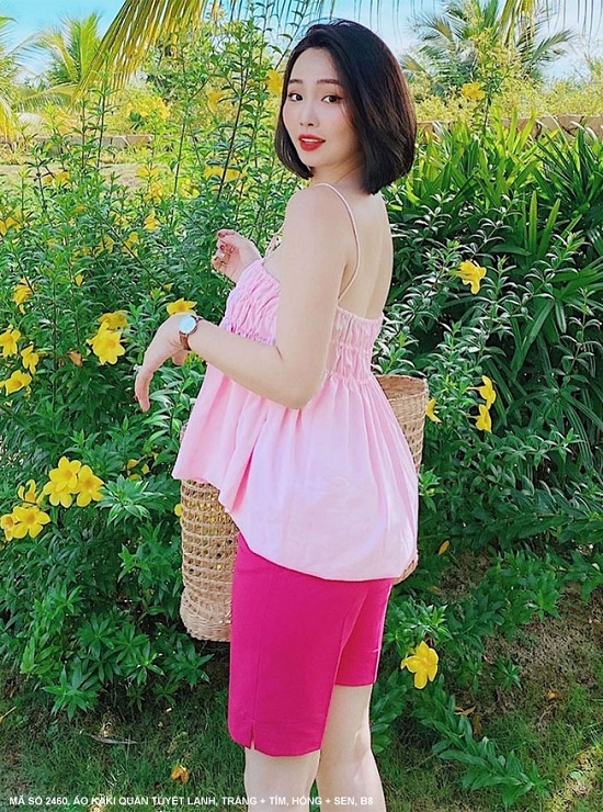 Áo hồng quần sen